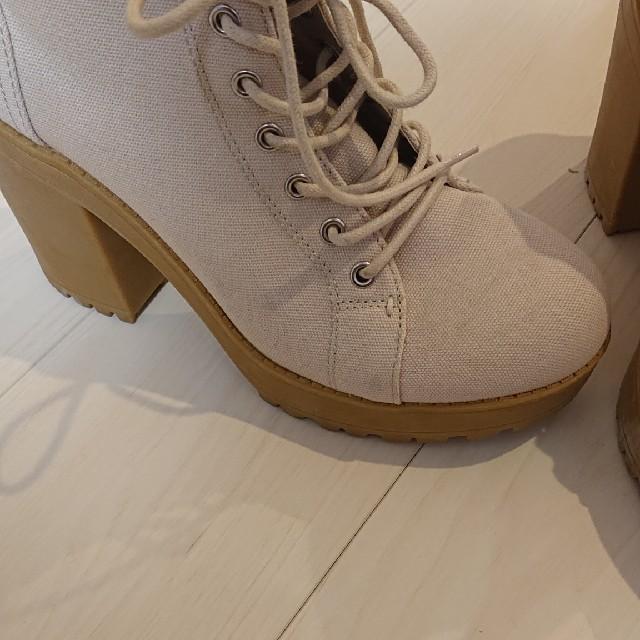 H&M(エイチアンドエム)のH&M 太ヒールブーツ レディースの靴/シューズ(ブーツ)の商品写真