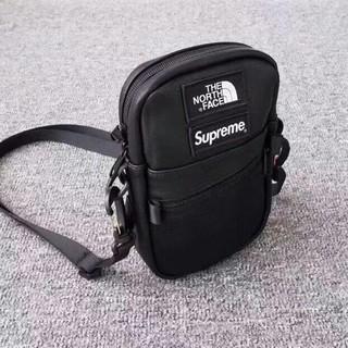 Supreme - sup&tnf コラボ 人気商品 メンズ ショルダーバッグ