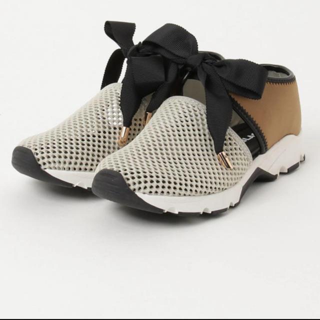 ROSE BUD(ローズバッド)のALL BLACK ビックリボン スニーカー レディースの靴/シューズ(スニーカー)の商品写真