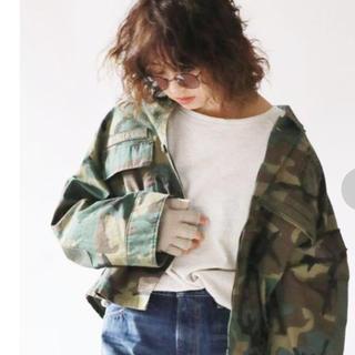 アングリッド(Ungrid)のungrid avirex別注ショートリメイクシャツ 迷彩(ミリタリージャケット)