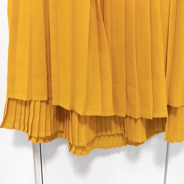 Sonny Label(サニーレーベル)のアーバンリサーチサニーレーベル☆イエロープリーツスカート ロングスカート レディースのスカート(ロングスカート)の商品写真