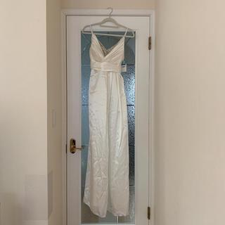 白のパーティドレス