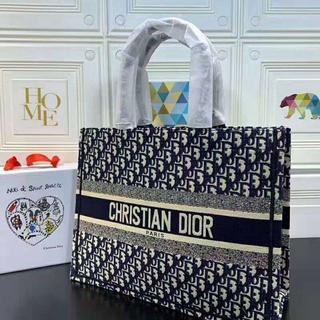 クリスチャンディオール(Christian Dior)のDior Book Tote ディオール ブックトート トートバッグ(トートバッグ)