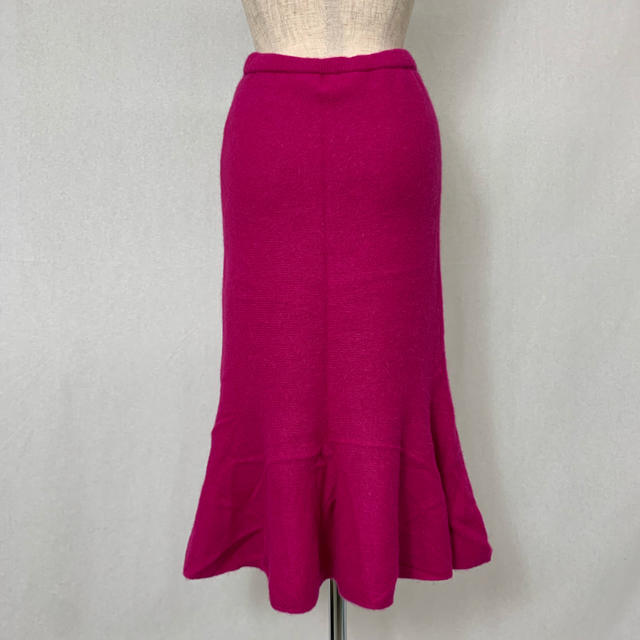 ●S407 used shocking pink angoramix skirt レディースのスカート(ロングスカート)の商品写真