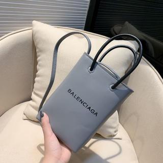 バレンシアガ(Balenciaga)のBalenciaga 可愛い ショルダーバッグ(ショルダーバッグ)