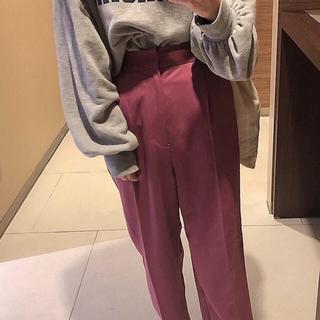 UNIQLO - スラックスパンツ ピンク