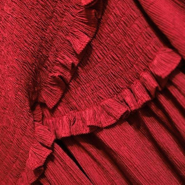 大きいサイズ マキシ丈胸元絞りワンピース レディースのワンピース(ロングワンピース/マキシワンピース)の商品写真