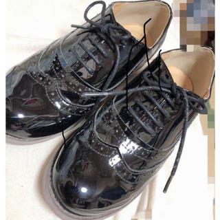 スピンズ(SPINNS)の量産型シューズ(ローファー/革靴)