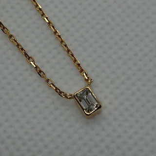 k18 エメラルドカット ダイヤモンドネックレス