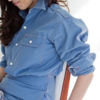 マディソンブルー ハンプトンバックサテンシャツ ブルー02