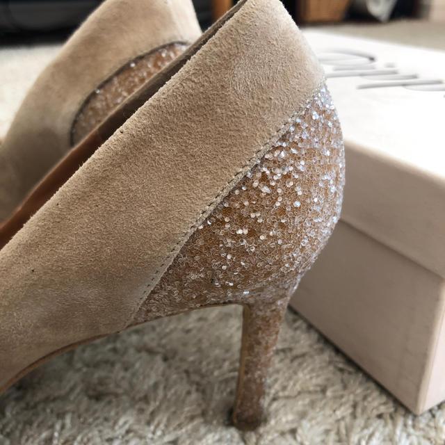 Pippi(ピッピ)のpippi ★ ベージュラメパンプス レディースの靴/シューズ(ハイヒール/パンプス)の商品写真
