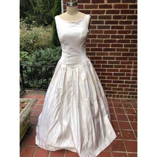 クリスチャンディオール(Christian Dior)の新品ヴィンテージクリスチャンディオール ウェディングドレスシルクVeraWang(ウェディングドレス)
