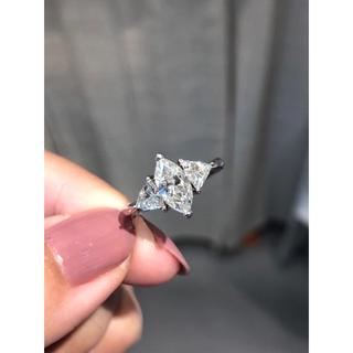 お洒落❤️お値打ち高品質 pt900&大粒ダイヤ1.023ctリング(リング(指輪))