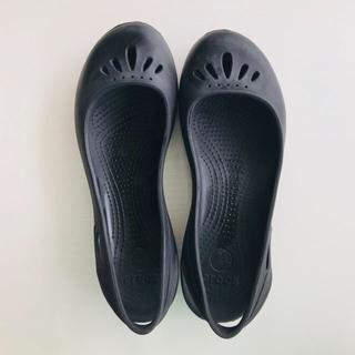 クロックス(crocs)のクロックス サンダル レディース  w7 フラット crocs(サンダル)