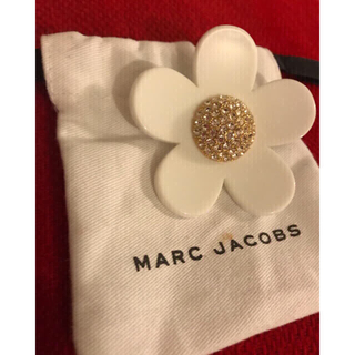 MARC BY MARC JACOBS - マークジェイコブ    デイジー  ピンバッチ