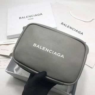 バレンシアガ(Balenciaga)の大人気でバレンシアガ カメラバッグ(ショルダーバッグ)