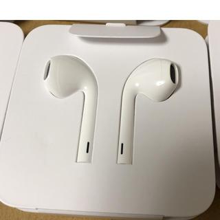 アップル(Apple)のiPhoneイヤホン Apple純正(ヘッドフォン/イヤフォン)