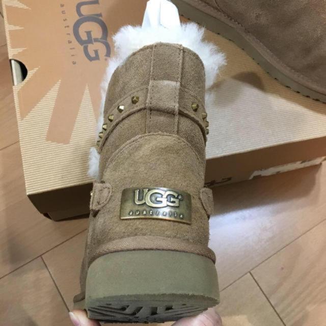 UGG(アグ)のUGG*スタッズ付ブーツ レディースの靴/シューズ(ブーツ)の商品写真