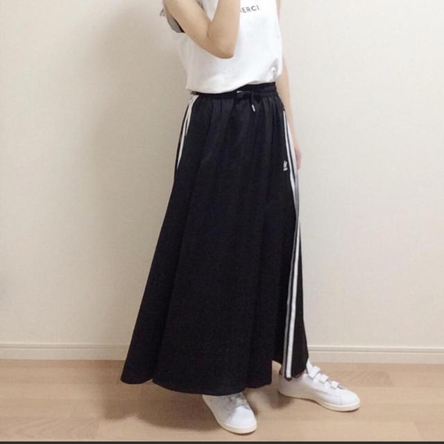 adidas(アディダス)のLONG SATIN SKIRT アディダスオリジナルス レディースのスカート(ロングスカート)の商品写真