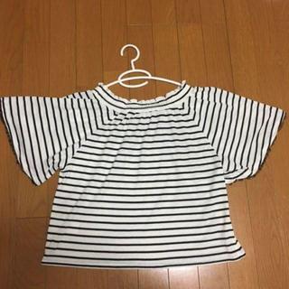 アースミュージックアンドエコロジー(earth music & ecology)の白黒ボーダーのふんわりトップス(Tシャツ(半袖/袖なし))