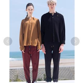 サンシー(SUNSEA)のCULLNI ベルト付きスタンドカラーシャツ(シャツ)