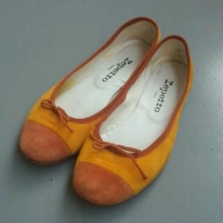 レペット(repetto)の専用。レペット スエード イエロー 37(ローファー/革靴)