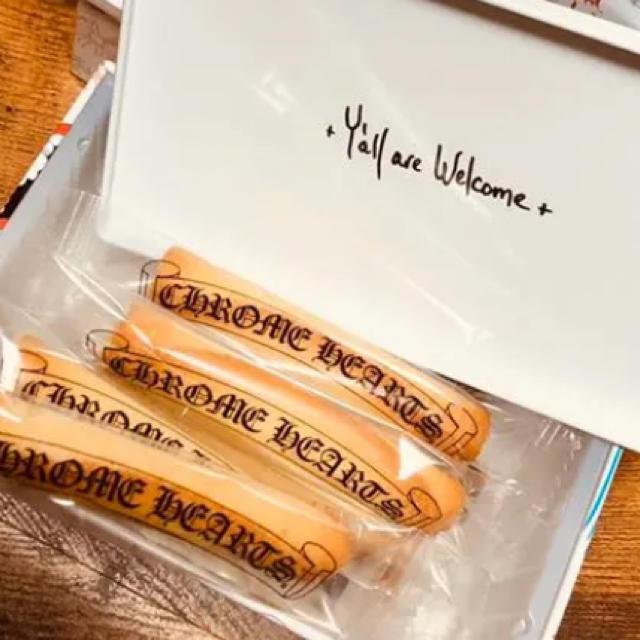 Chrome Hearts(クロムハーツ)の20周年 クロムハーツ 青山店限定 ヨックモック クッキー 食品/飲料/酒の食品(菓子/デザート)の商品写真