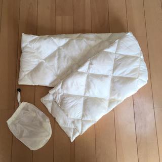 ユニクロ(UNIQLO)の未使用品 UNIQLOユニクロ ダウンマフラー 白 ホワイト 収納袋付き(マフラー/ショール)