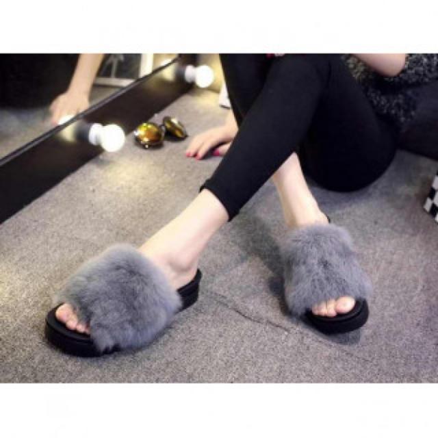サンダル ファーサンダル 婦人靴 ファー付 レディース 秋サンダル 厚底サンダル レディースの靴/シューズ(サンダル)の商品写真
