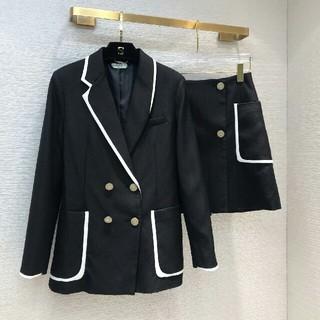 フェンディ(FENDI)のFendi 19s秋新品 レディース 二点セット スカート ジャケット スーツ(スーツ)