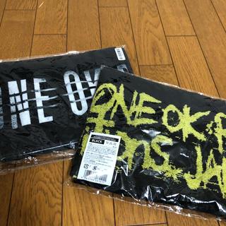 ワンオクロック(ONE OK ROCK)のワンオク マフラータオル セット 新品、未開封(タオル)