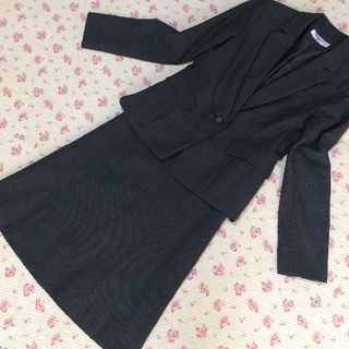 ナチュラルビューティーベーシック(NATURAL BEAUTY BASIC)のナチュラルビューティー スカートスーツ 上S下XS W64 未使用に近い(スーツ)