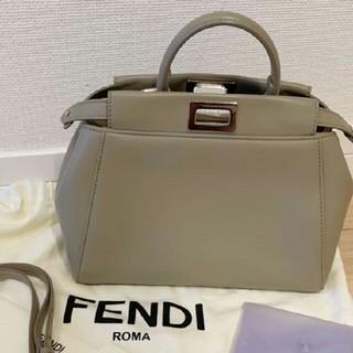 フェンディ(FENDI)のフェンディ ミニピーカブー グレージュ 本物 正規品 ショルダー(ハンドバッグ)
