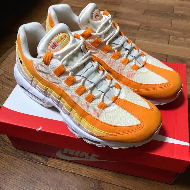 NIKE(ナイキ)の値下不可 NIKE AIR MAX 95 ペールアイボリー オレンジピール メンズの靴/シューズ(スニーカー)の商品写真