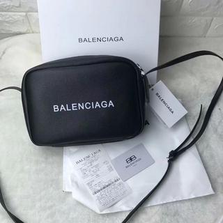 バレンシアガ(Balenciaga)のBalenciaga ショルダーバッグ カメラバッグ 高級感(ショルダーバッグ)