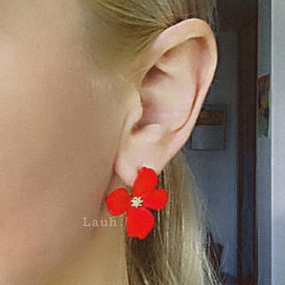 リリーブラウン(Lily Brown)のj267.color flower pierce(red)(ピアス)