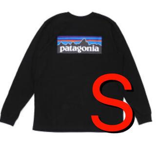 パタゴニア(patagonia)の大人気‼️パタゴニア P-6ロゴ ロングスリーブ レスポンシビリティ ブラック(Tシャツ/カットソー(七分/長袖))