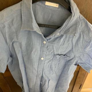 ジーユー(GU)の古着(シャツ/ブラウス(半袖/袖なし))