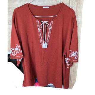ジーユー(GU)のGU 刺繍入り半袖(シャツ/ブラウス(半袖/袖なし))