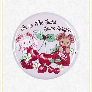 BABY,THE STARS SHINE BRIGHT - 【新品】くみゃちゃんのいちごとさくらんぼ缶バッジ(ピンク)