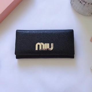 ミュウミュウ(miumiu)のMiuMiu  ミュウミュウ    長財布(長財布)