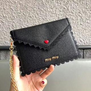 ミュウミュウ(miumiu)の新品♡ミュウミュウ 折り畳み財布 (財布)