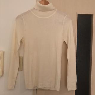 ジーユー(GU)のGU タートルニット Lサイズ 美品(ニット/セーター)