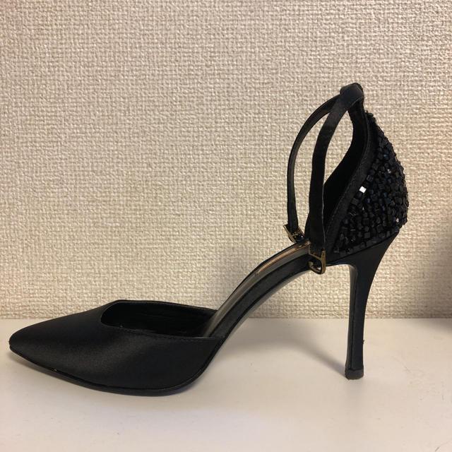 Charles and Keith(チャールズアンドキース)の【11/15まで値下げ】パーティー パンプス 黒 レディースの靴/シューズ(ハイヒール/パンプス)の商品写真