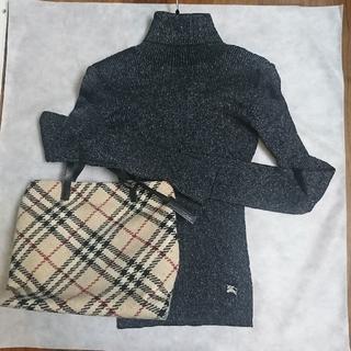 BURBERRY BLUE LABEL - 新品、未使用 BURBERRY ホリデー限定ラメリブ編みタートルネックセーター