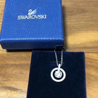 SWAROVSKI - スワロフスキー ネックレス  レディース 丸型