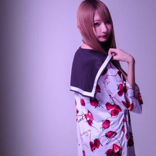 フーガ(FUGA)のTRAVAS TOKYO いちご BIG  berry セーラー 襟 Tシャツ(Tシャツ/カットソー(半袖/袖なし))