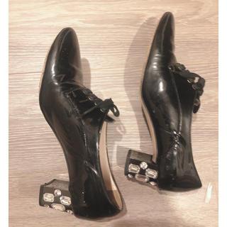 ミュウミュウ(miumiu)のmiumiuビジューパンプスローファー(ローファー/革靴)