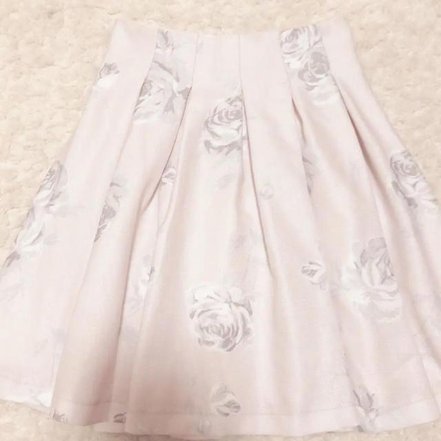 LIZ LISA(リズリサ)のリズリサ ピンク 花柄スカート レディースのスカート(ひざ丈スカート)の商品写真