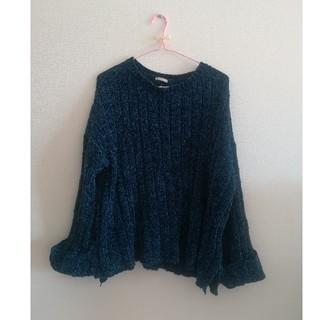 ジーユー(GU)の美品 GU ブルー ゆったりベロア素材 ニット セーター Lサイズ(ニット/セーター)